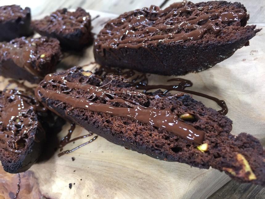Çikolatalı ve Fıstıklı Biscotti
