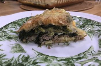Kıymalı ve Ispanaklı Börek