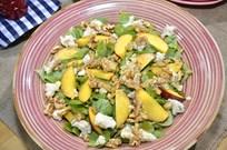 Rokforlu Ve Şeftalili Semizotu Salatası