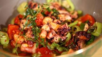 Ahtapotlu Salata