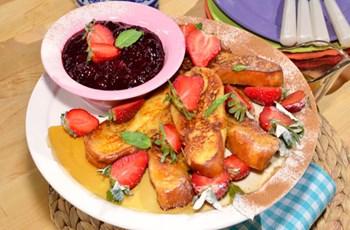 Ahududu Soslu French Toast