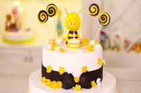 Arı Temalı Pasta