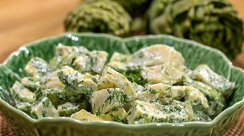 Avokadolu Enginar Salatası