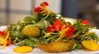 Bal-Balzamik Soslu Karamelize Elma ve Semizotu Salatası