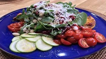 Balkabaklı Çiğ Sebze Salatası