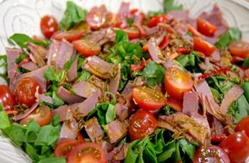 Boşnak Etli Salata