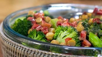 Brokolili Nohut Piyazı