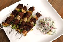 Fas Usulü Şişte Biftek (Limonlu Kuskus ve Yoğurtlu Patates ile)