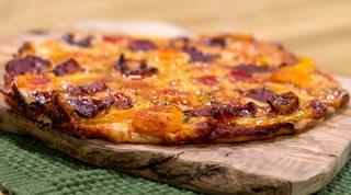 Füme Etli Pizza Tarifi