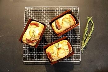 İncirli & Keçi Peynirli Tuzlu Kek