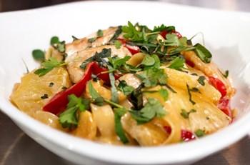 Izgara Tavuk ve Naneli Mayonezli Patates Salatası