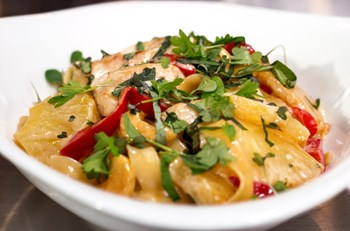 Izgara Tavuk ile Naneli Mayonezli Patates Salatası
