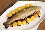 Izgarada Limonlu Alabalık (Noisette Patates, Antep Fıstıklı Kırmızı Lahana Salatası ile)