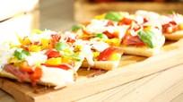 Jambonlu Ve Biberli Ciabatta Pizza