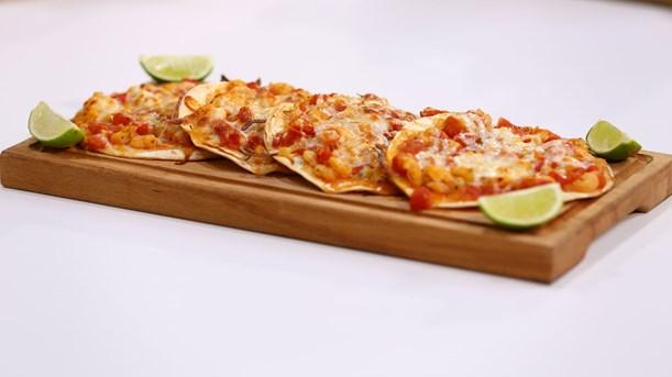 Karidesli Tortilla Pizza Tarifi