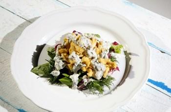 Kızarmış Parmak Tavuk Salatası