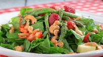 Narenciye Soslu Pazı Salatası