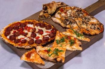 Orijinal Sosu ve Hamuruyla Pizzalar