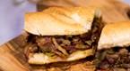 Philadelphia Usulü Steak Sandviç