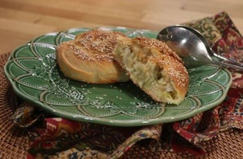 Pırasalı ve Peynirli Açma Börek