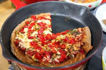 Ruşeymli Tavada Kahvaltı Pizzası