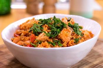 Somonlu Ilık Bulgur Salatası