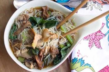 Pekmezli-Soyalı Tavuk ve Mantarlı Noodle