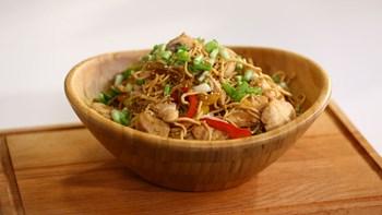 Tavuk Chow Mein
