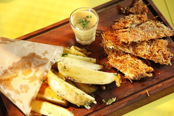 Tel Şehriyeli Cajun Baharatlı Tavuk
