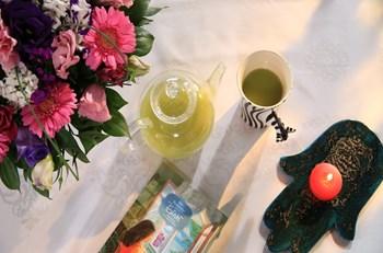 Yeşil Çay Tozlu Hindistan Cevizi Sütü