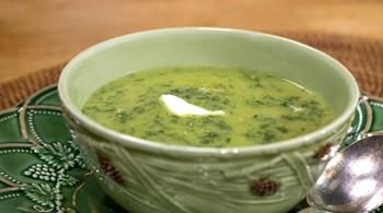 Yoğurtlu Bezelye Çorbası